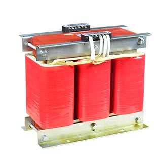 Photovoltaic isolation transformer (18)